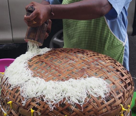 Putuh, String Hoppers, Pulau Tikus Market